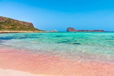 Элафониси - пляж с розовым песком на Крите