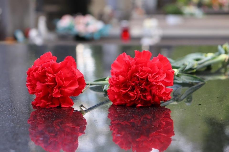 Выбор ритуальных услуг: кремация или погребение?